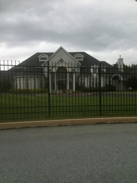 Took a pic of a random house that I liked