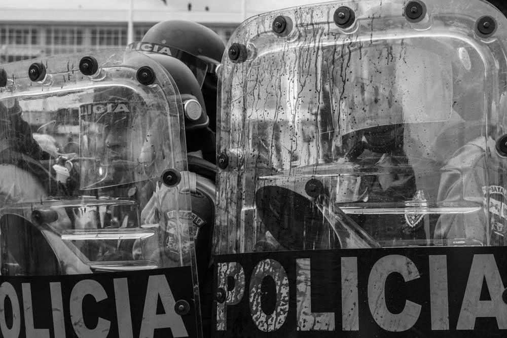 Paraná 29/042015 - massacre aos professores.