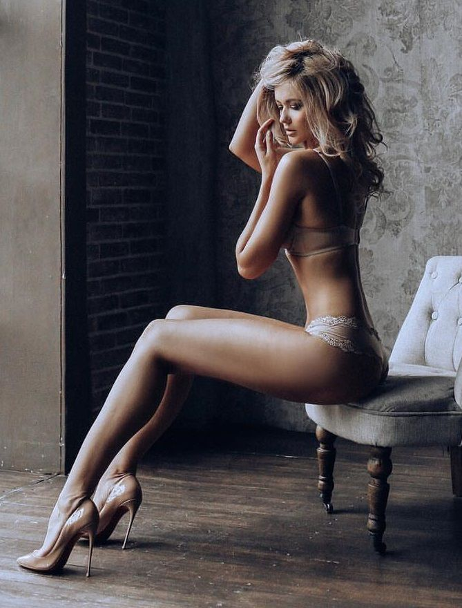 heels legs high women with Naked sexy