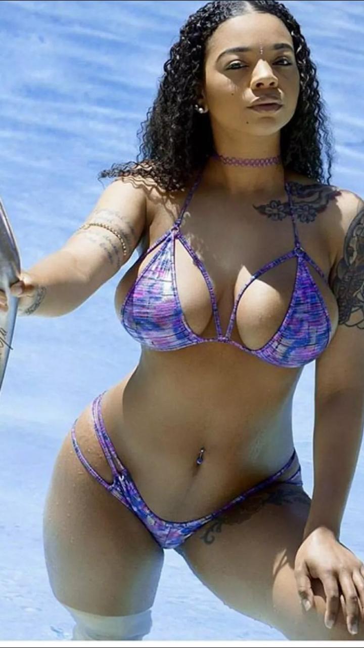 Sexy big ebony boobs