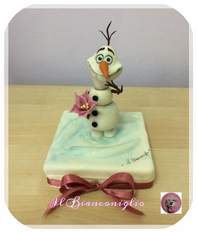 Il Bianconiglio | Disney frozen cake, Olaf cake, Disney cakes