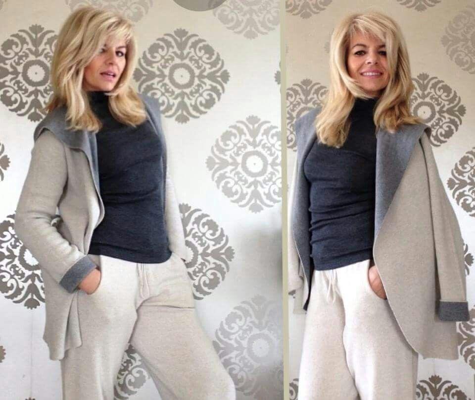 vuoi essere comoda ma chich nello stesso momento? ??...vieni a provare il nostro pantalone in maglia. ..irresistibile se abbinato al cardigan over bicolor!! #stefanel #stefanelvigevano #look #moda #trendy #shopping #negozio #shop #vigevano #lomellina #piazzaducale #stile #wool #lana #pants #cardigan  #beige #blondie #photo #instagram #instalook #outfit