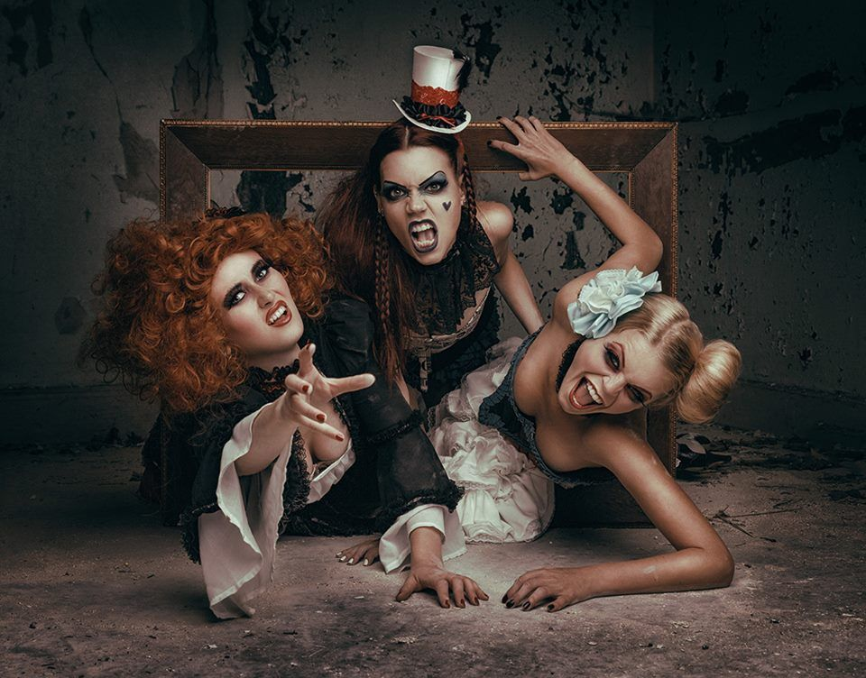 Dark Beauty Magazine | Funny art, Dark beauty, Photo artistic