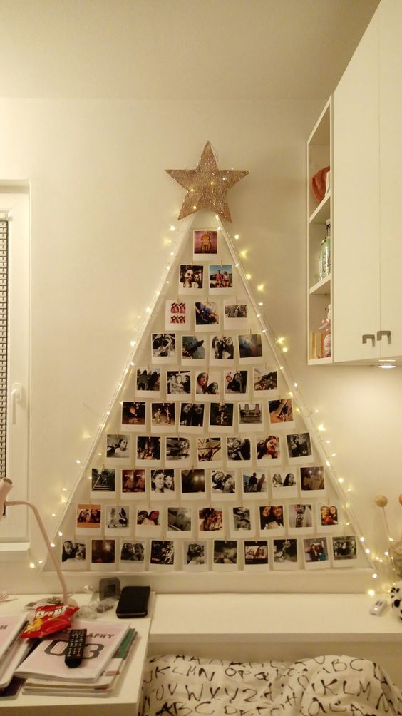 30+ Christmas Wall Decoration Ideas That Are Refined and Modern Christmas decors - Hike n Dip