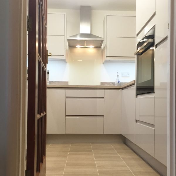Small kitchen design in a small home. Modern kitchen. Bright ...