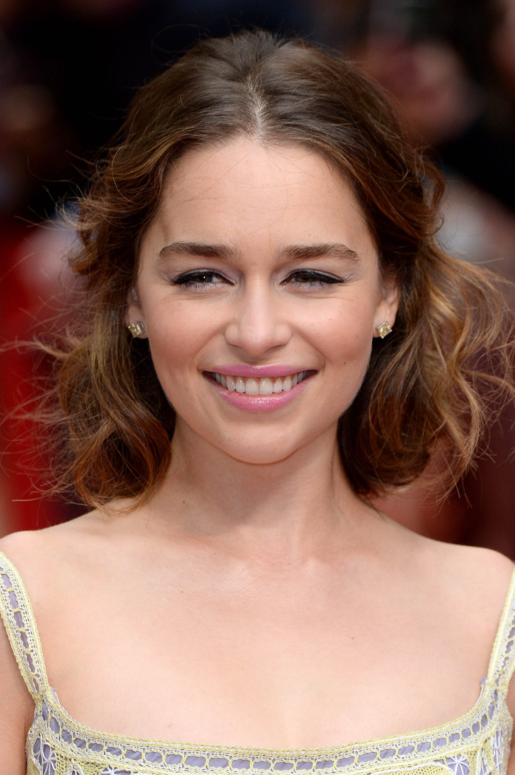 May 25: Me Before You Premiere in London - 0525 MBYLondonPremiere 0003 - Adoring Emilia Clarke - The Photo Gallery #emiliaclarke