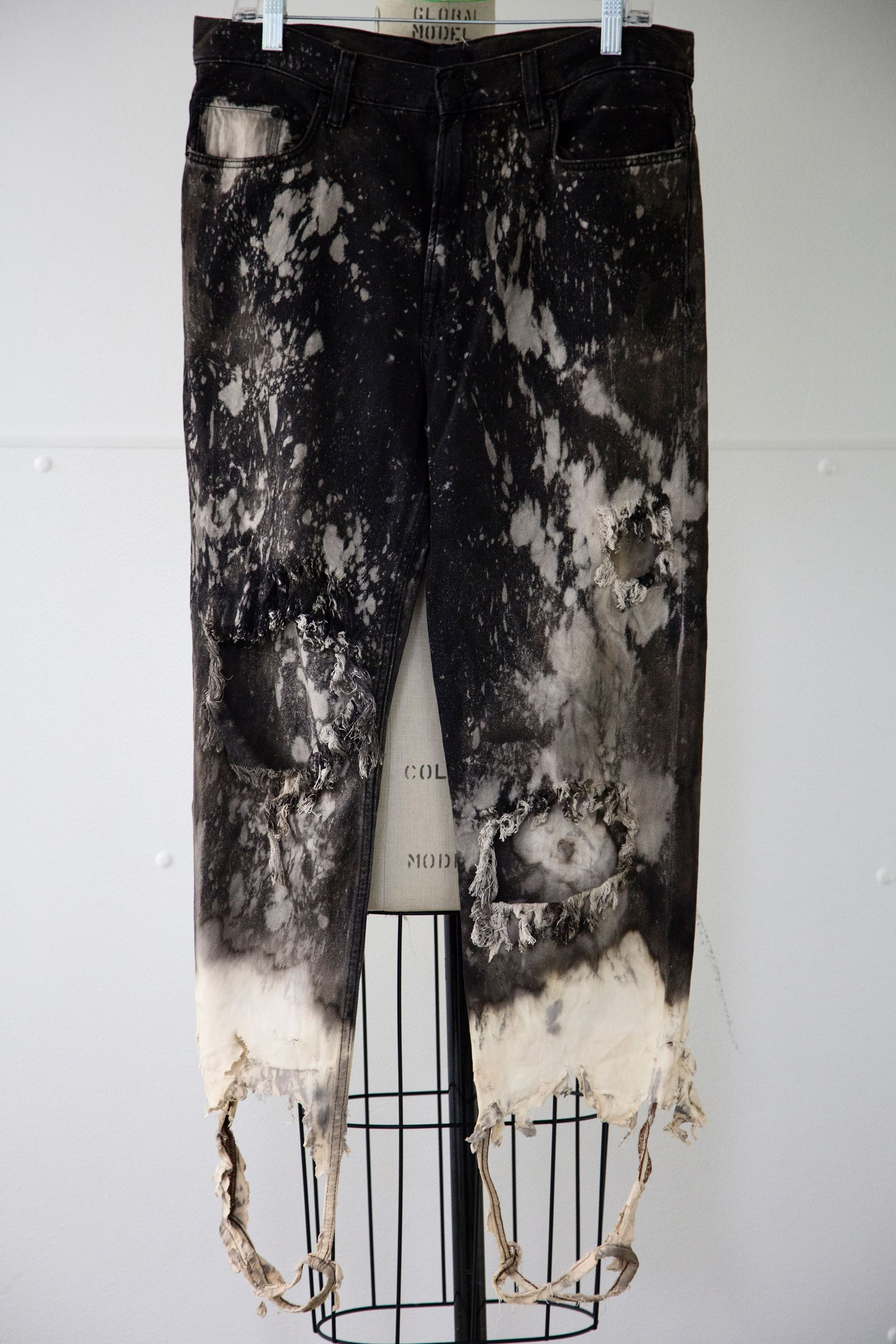 Black Distressed And Bleached Jeans M6251075 Bleached Jeans Diy Clothes Design Diy Clothes Projects