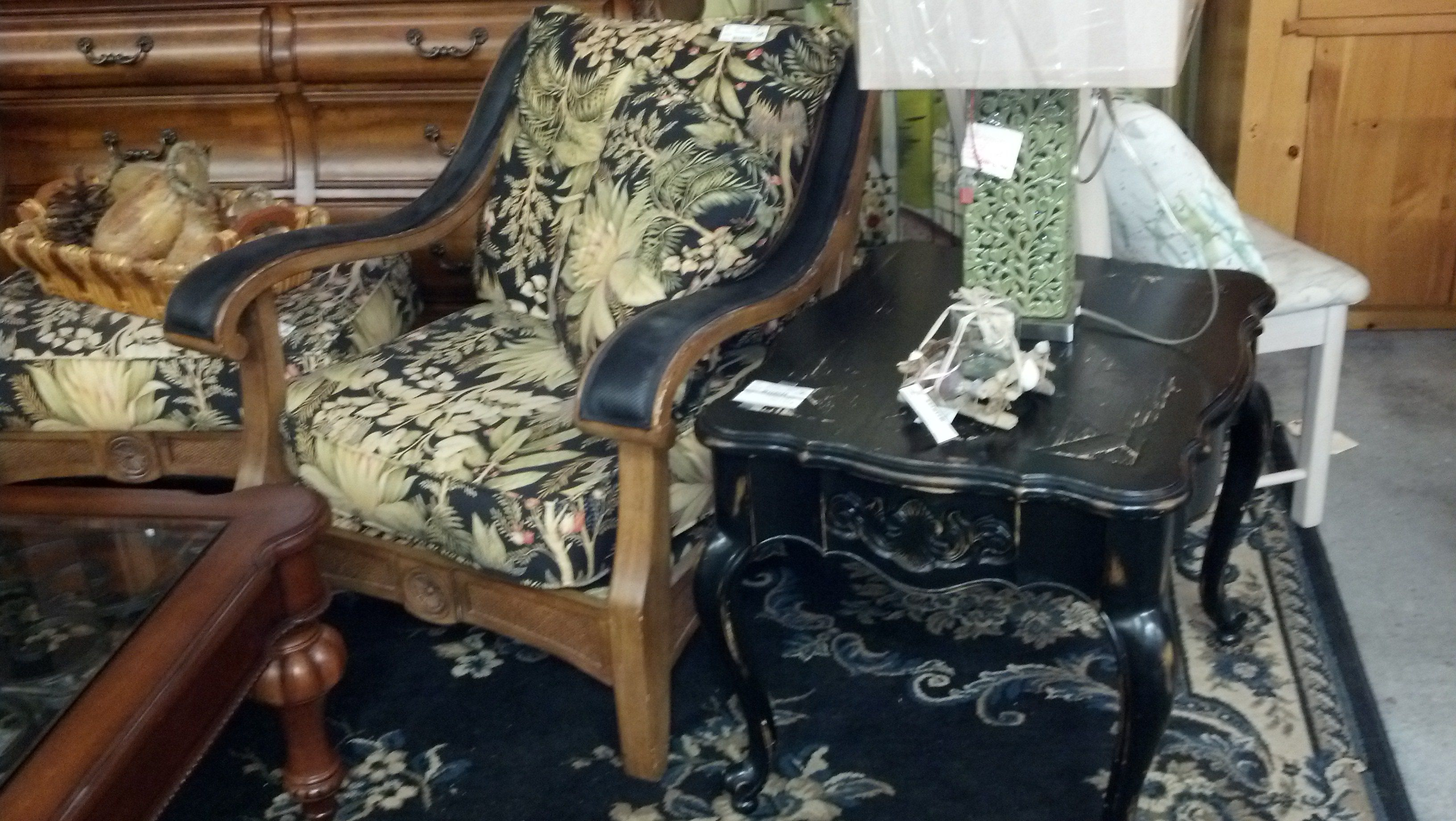 Tommy Bahama Chairs Amp Ottoman Lowcountry Consignments