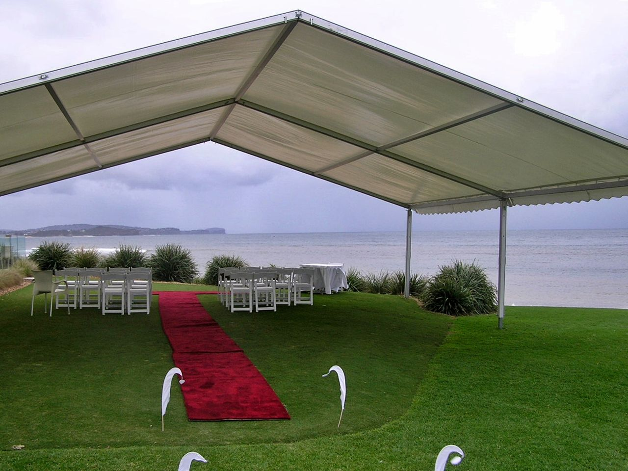 10m x 10m wedding ceremony marquee for hire in Sydney, Hunter Valley, quick set up.