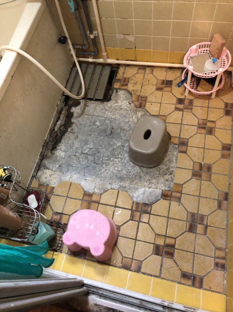 浴室の床 お風呂の床をシートでリフォーム 黒カビ タイルの割れ