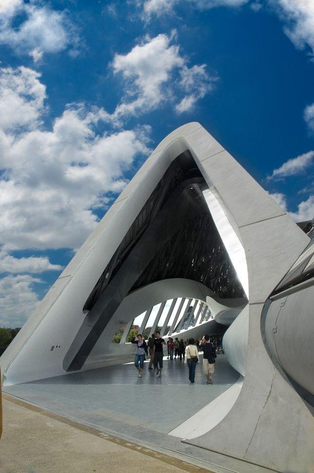 El puente zaragoza un magn fico ejemplo de lo vers til - Que es un porche en arquitectura ...