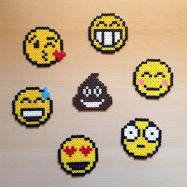 emoticons hama beads by hamarol hama pinterest b gelperlen steckperlen und b gelperlenbilder. Black Bedroom Furniture Sets. Home Design Ideas