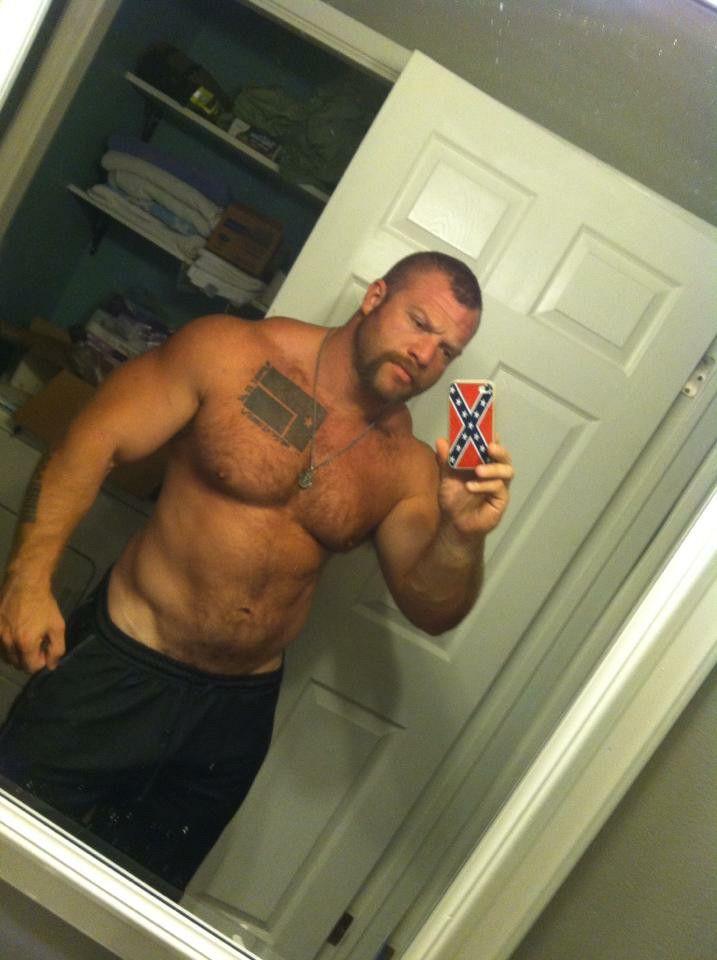 Muscle bears nake