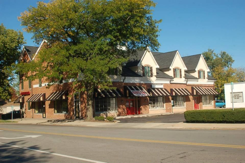 Rennekars Today No Longer A Drug Store But Some Fancy Bistro Glenview House Styles Mansions