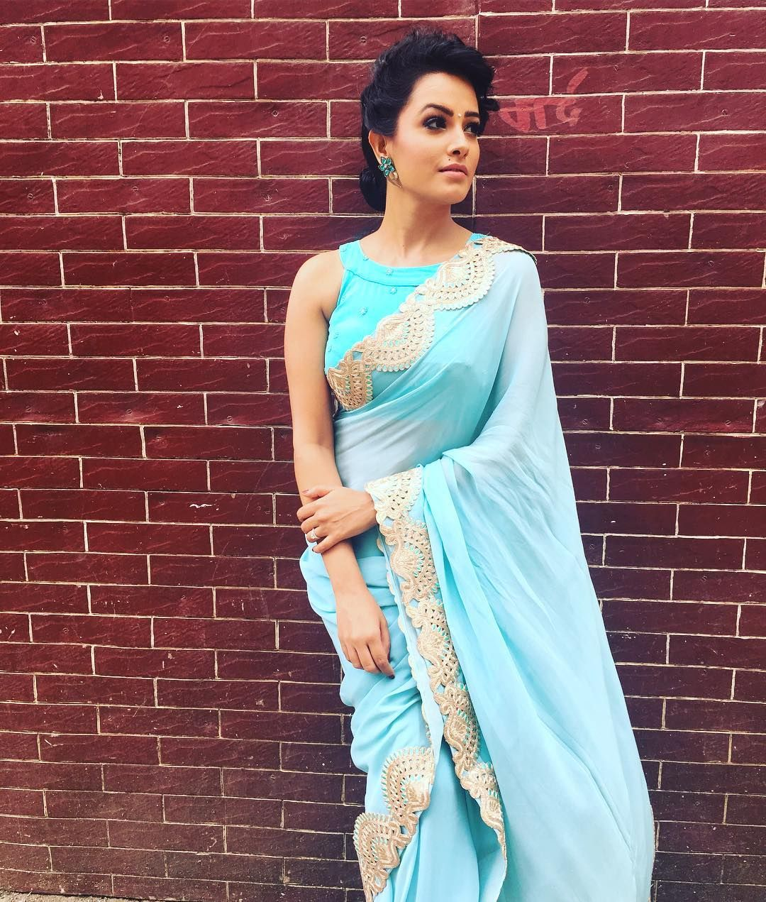 49bb29b2b45a29 40+ Stylish Blouse Designs That You Can Wear With Any Saree ...