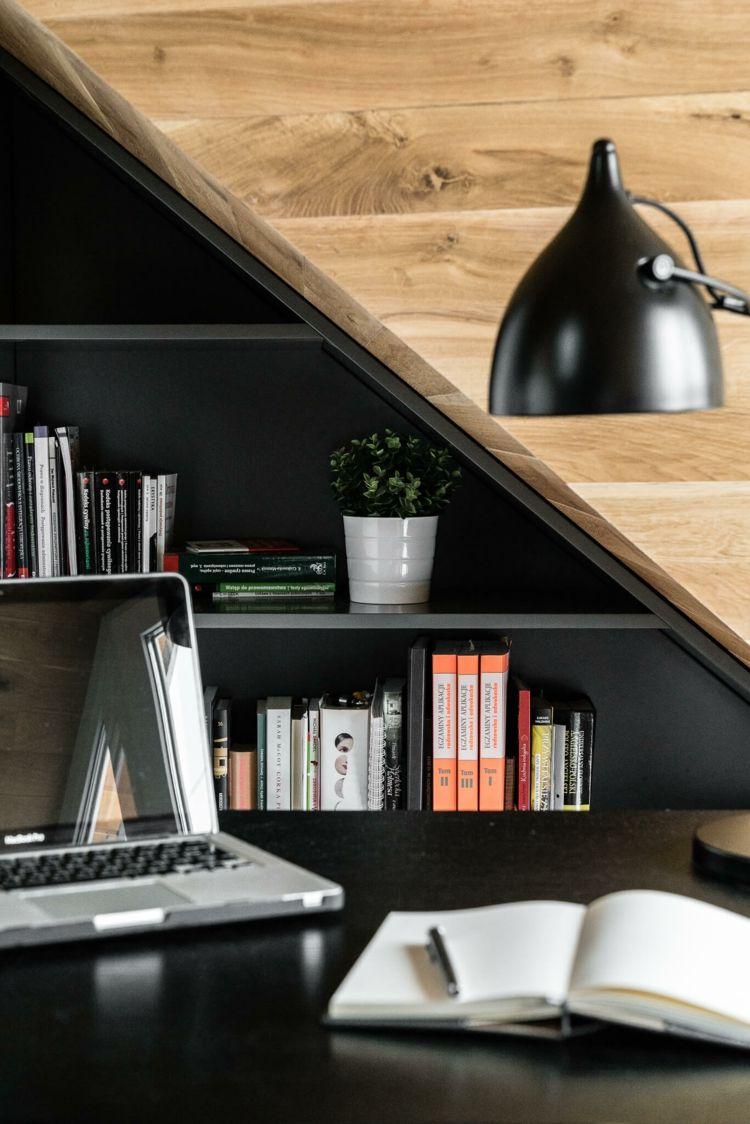Dachschrage Einrichten Und Praktisch Nutzen In Einer Einraumwohnung