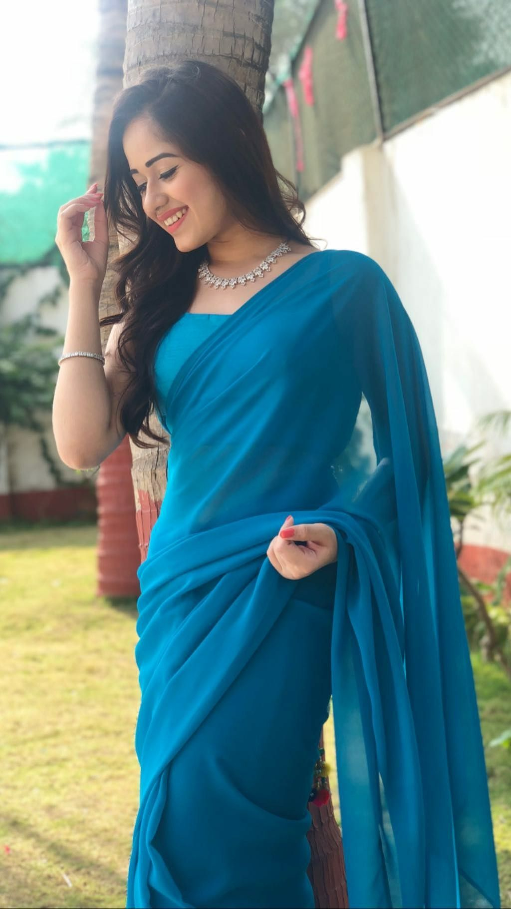 Pin On Actors India Have a look at saree poses and photoshoot in saree at home. pinterest