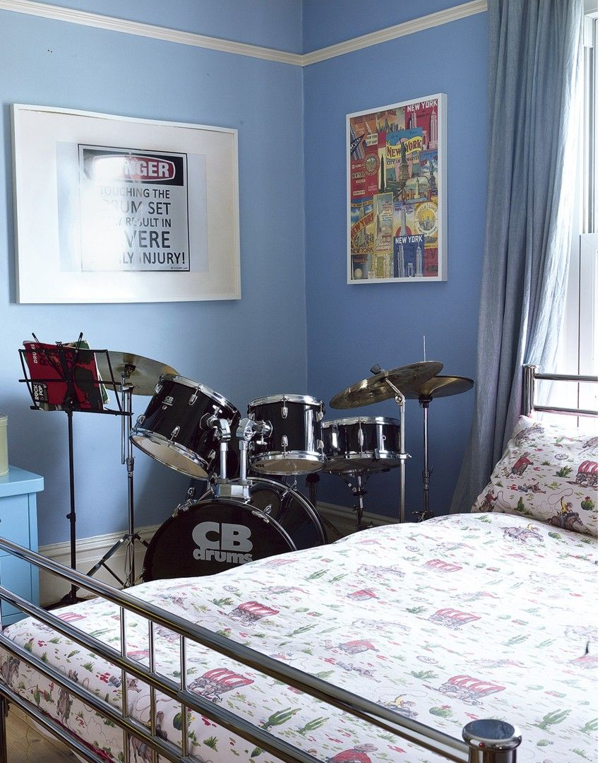 Blue Ager S Bedroom With Drum Kit