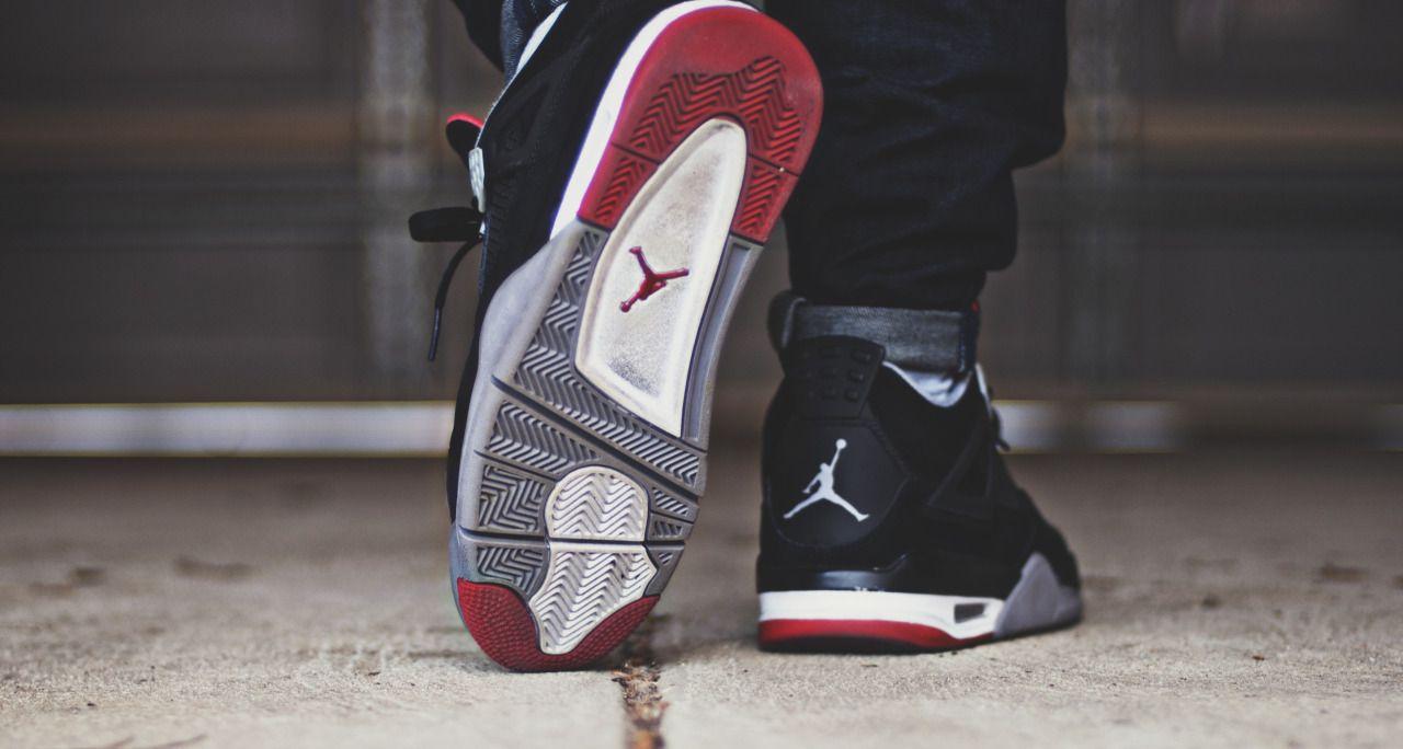 huge discount 89f76 e3344 Nike Air Jordan IV Retro Bred
