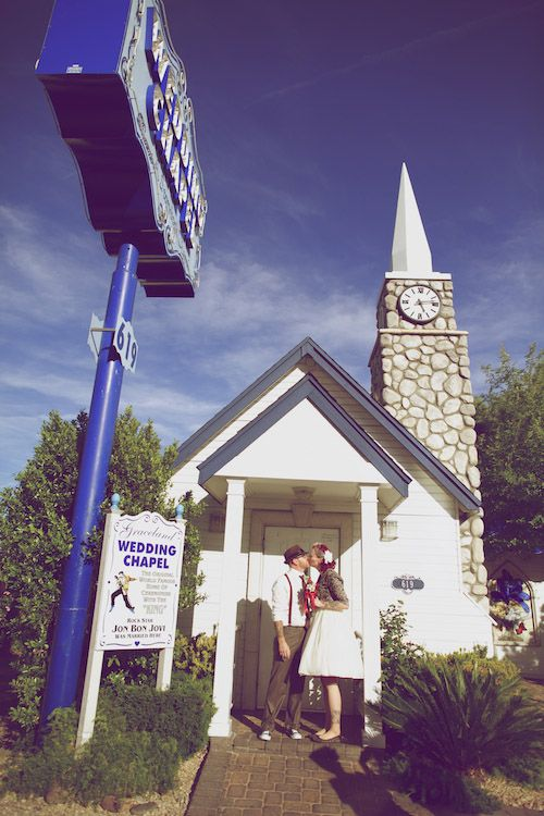 Bex Jinx S Retro Style Las Vegas Elopement Vegas Wedding Chapel Las Vegas Elopement Vegas Wedding Venue