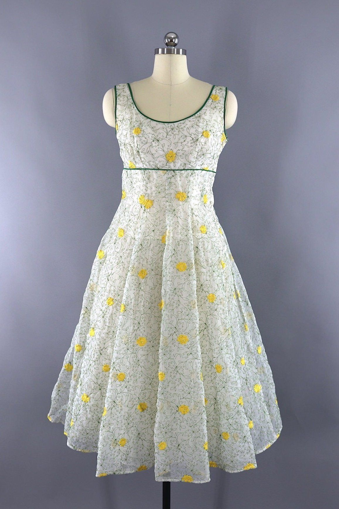 Vintage 1950s Garden Party Dress White And Yellow Floral Embroidery White Dress Party Womens Vintage Dresses Dresses [ 1736 x 1157 Pixel ]