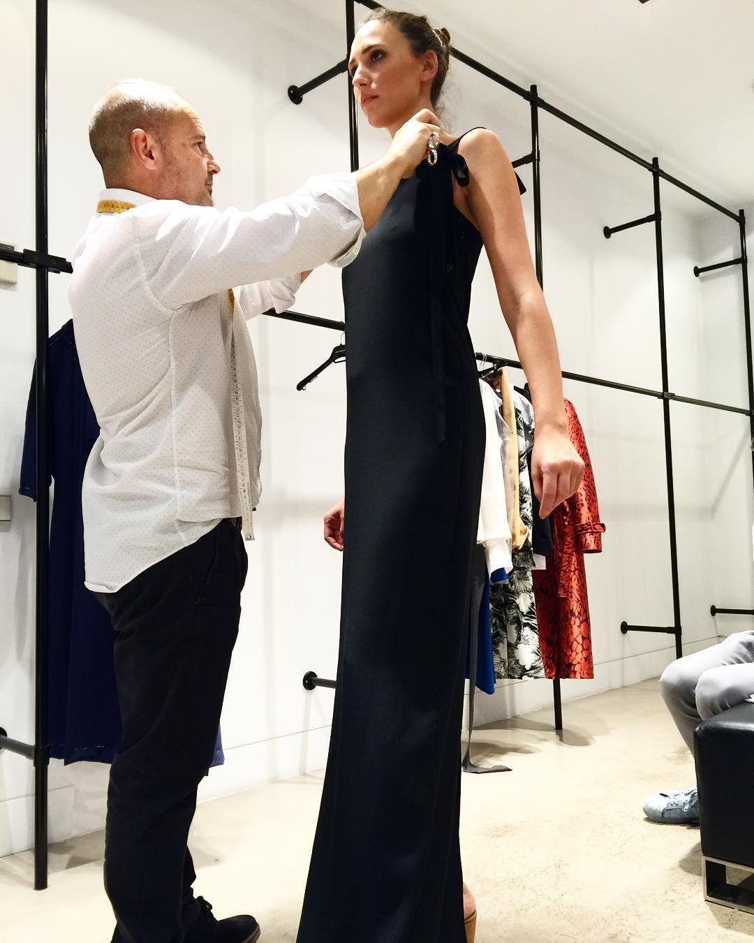 Fitting time. Ya sé qué le voy a regalar a Joaquín para su cumple... Una escalerilla  CC @aschlesser #fitting #aschlesser #fashion #atelier #pruebasderopa #probando #newcollection by maytedlaiglesia