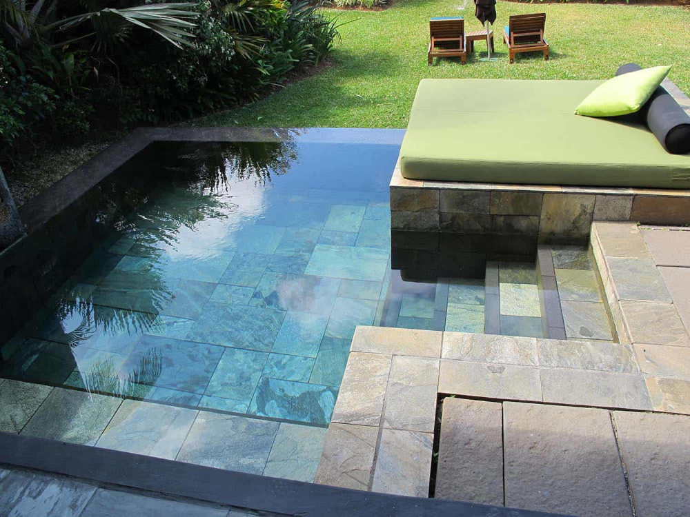 28 Refreshing Plunge Pools That Are Downright Dreamy Small Pool Design Small Backyard Pools Backyard Pool