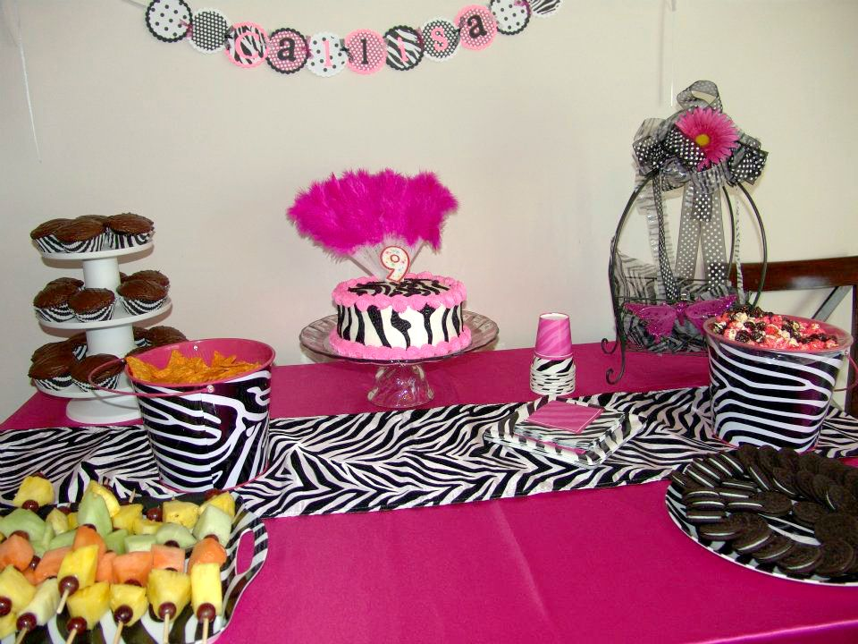 Graduation table decoration ideas the cake table is for Animal print party decoration ideas