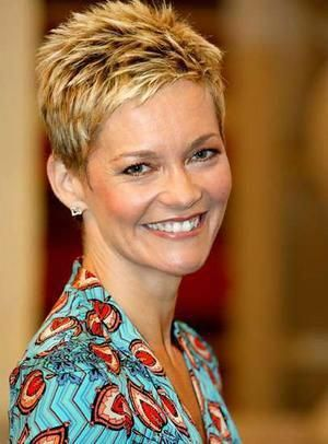 Image Result For Jessica Rowe Shorthairstyles Short Hair Styles Pixie Spikey Short Hair Hair Styles