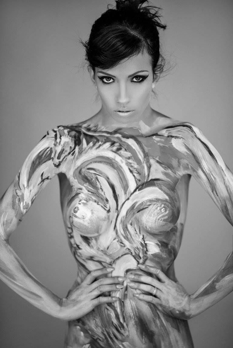 Karina world   model pimpandhost Model: Carina C. Casa Bodypaint: yoyoart.nl Photo: Marosi Péter/