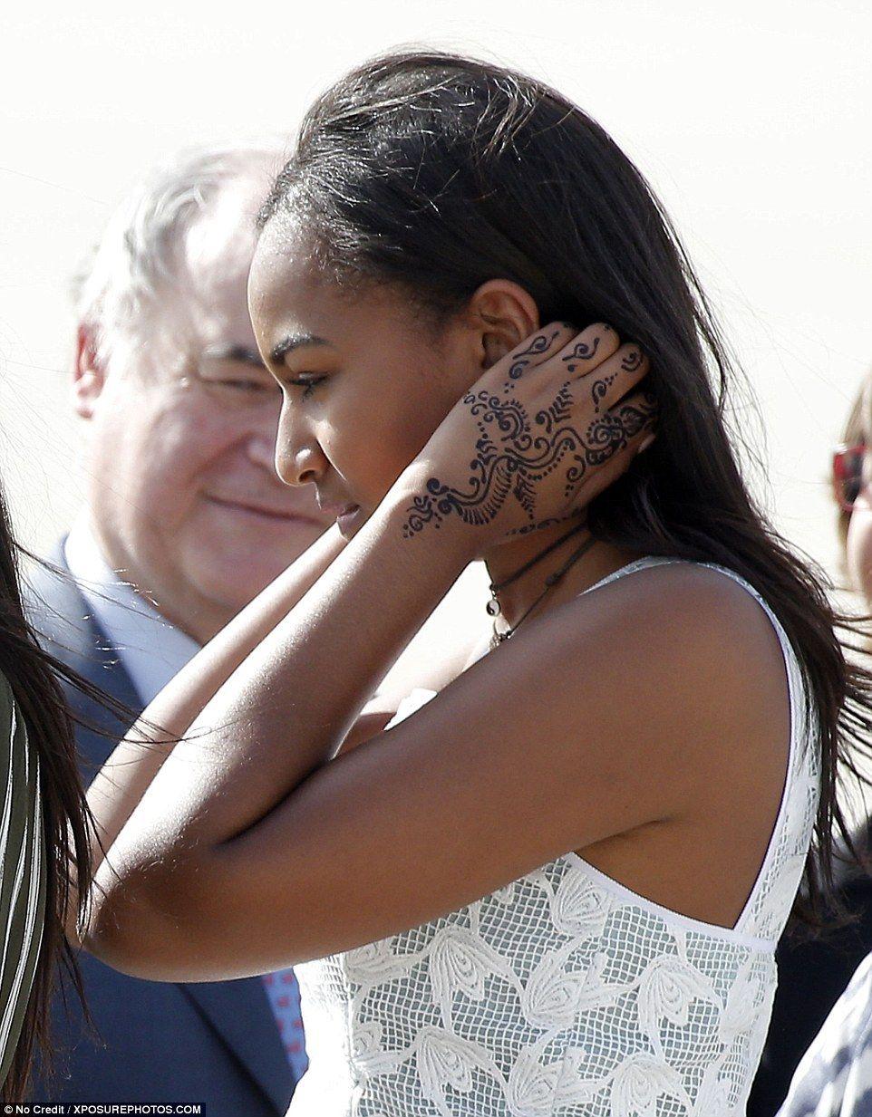 29june2016 sasha obama sporting a henna tattoo she for Does obama have a tattoo