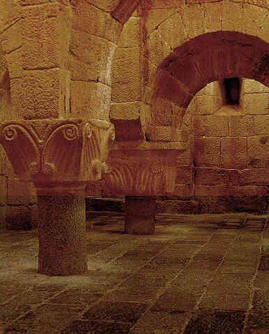 Monasterio Leyre En Pamplona Navarra Arquitectura Antigua Arte Romano Paisajes De España