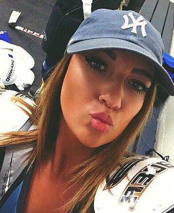 Hot Girls in Yankees Hats  c2ce603ea