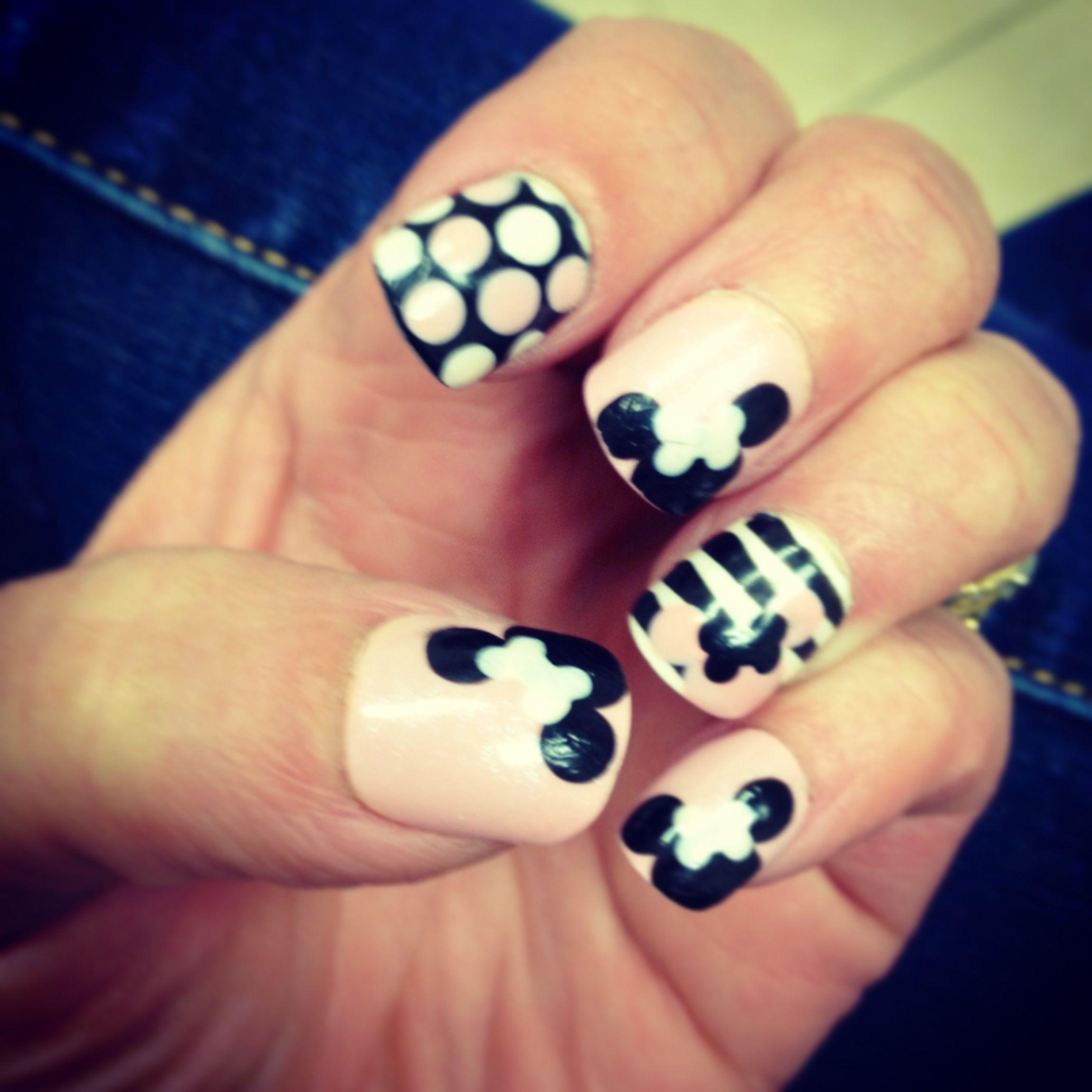 Minnie Mouse Nails   My Work   Pinterest   Nagelschere