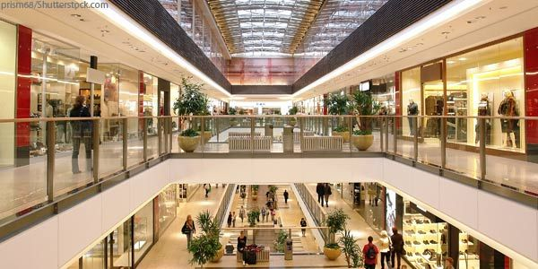 Woodfield Mall One Of The Biggest Shopping Malls In The United States Checkout Stores Jcpenney Lord Retail Interior Design Retail Interior Chicago Shopping