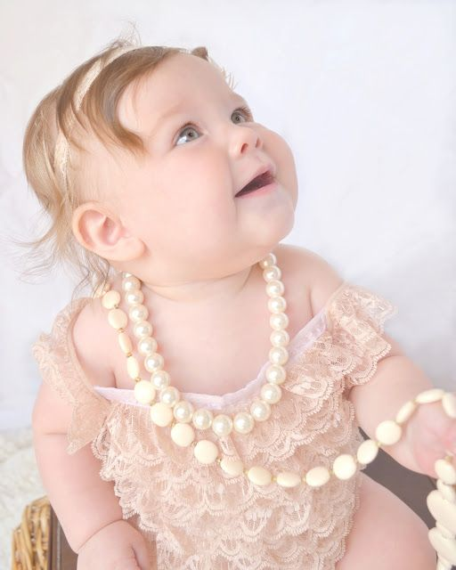 4d11a59beeed Descubre ideas sobre Mameluco Con Volantes. Small Town Small Budget  DIY  Lace Baby Romper