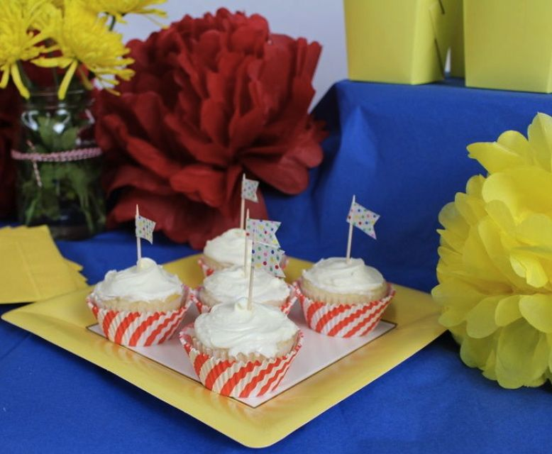 """Everything but the """"carnies"""" at this carnival inspired party! yellowpinwheels.com"""