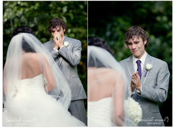 Grooms reaction : wedding day : perfect picture of him seeing his future wife : cries: every girls deserves this