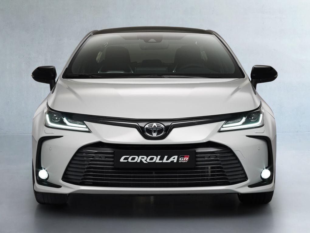 Toyota Corolla Hybrid Sedan GR Sport 2020 in 2020