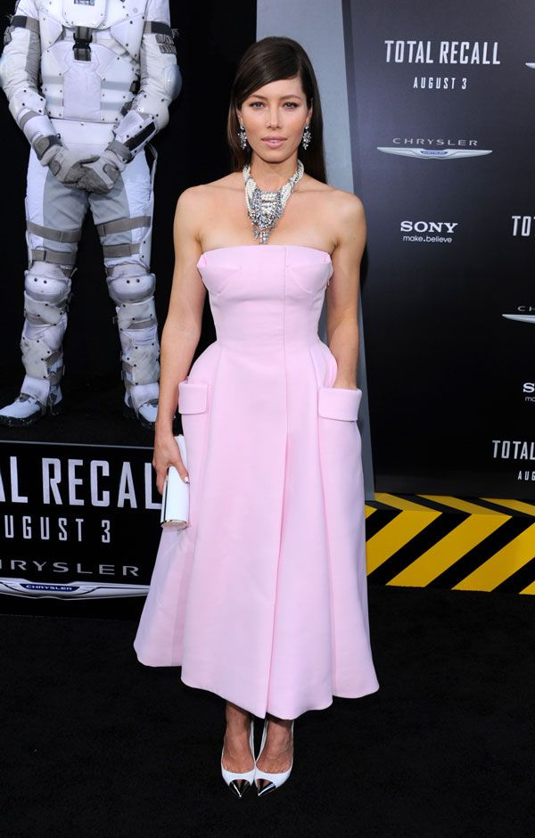 Jessica Biel In Raf Simons - Dior Couture | Mi estilo, Belleza y Estilo