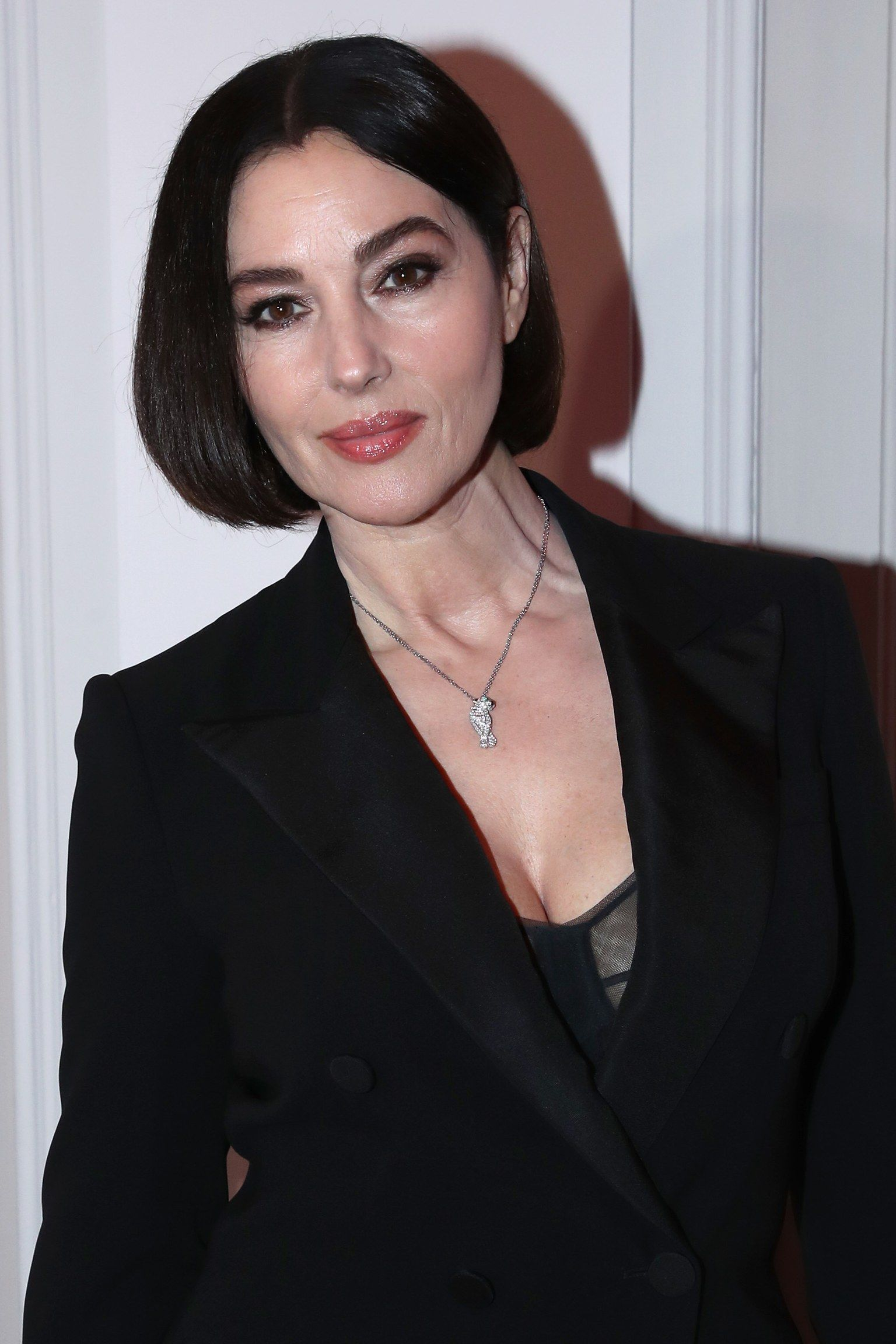 Monica Bellucci revealed a brand new hairstyle for 2020!   Monica bellucci,  New hair, Platinum blonde hair
