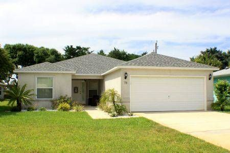 Robin's Nest St Augustine (Florida) Robin's Nest offers accommodation in Butler Beach, 9 km from St. Augustine. The air-conditioned unit is 3.5 km from Saint Augustine Beach. Free WiFi is offered throughout the property and free private parking is available on site.