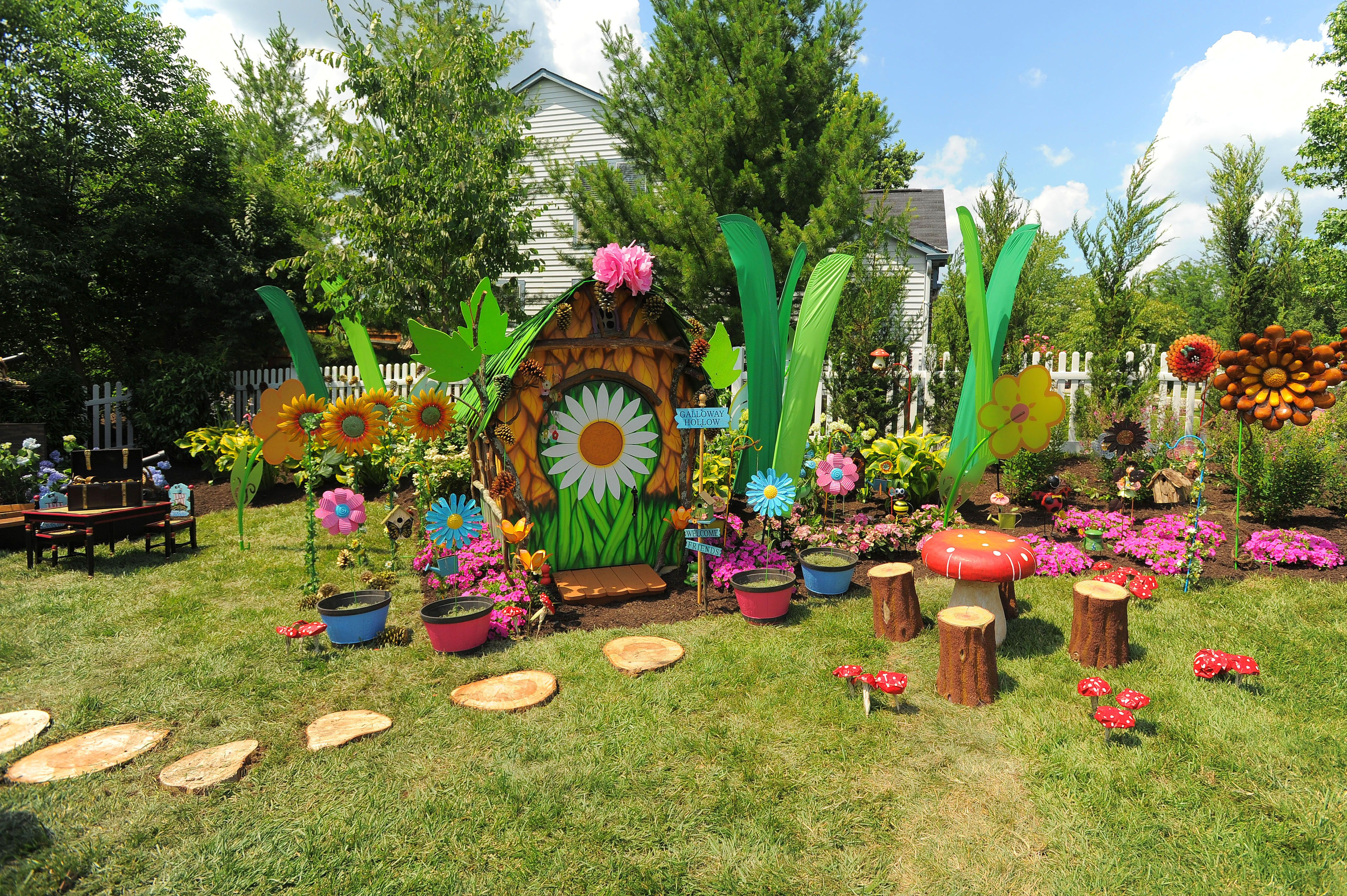 Backyard Play Area Ideas toddler play area i like the idea of have the play area in dirt and Backyard Play Area Stump Stepping Stones