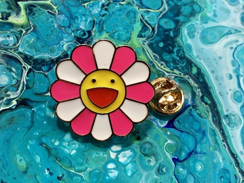 New TAKASHI MURAKAMI Kaikai Kiki PINK WHITE Flower Lapel
