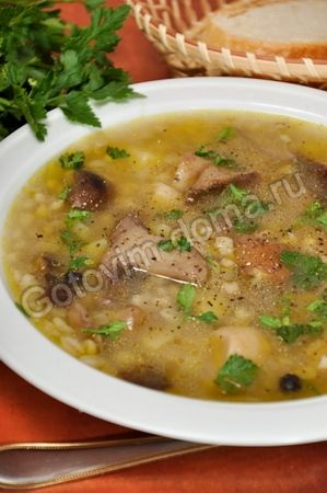 Грибной суп с перловой крупой Mushroom soup with pearl barley