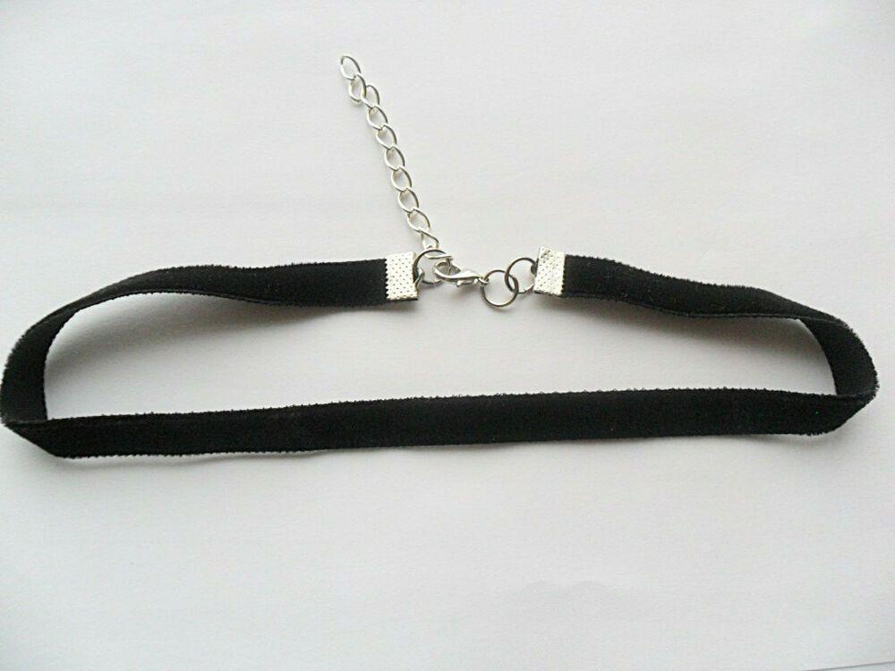 Black choker necklace, width of 1 cm x size 28 33 cm to