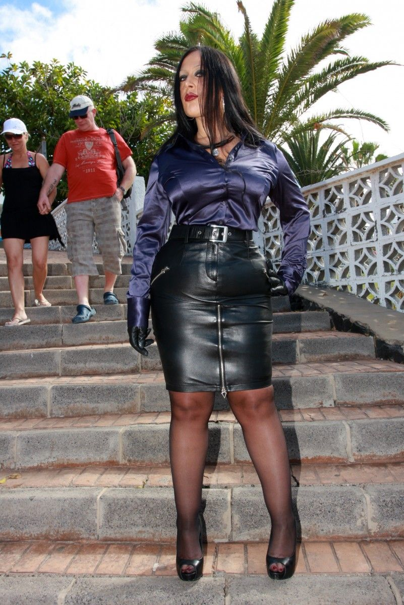 Schokomaus | my dream girl. | Pinterest | Leather, Leather skirts ...