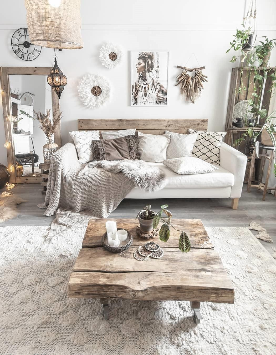 50 Inspiring Living Room Decorating Ideas These Trendy Homedecor Ideas Would Gain You Amazing Compl Chic Home Decor Wall Decor Living Room Living Room Designs