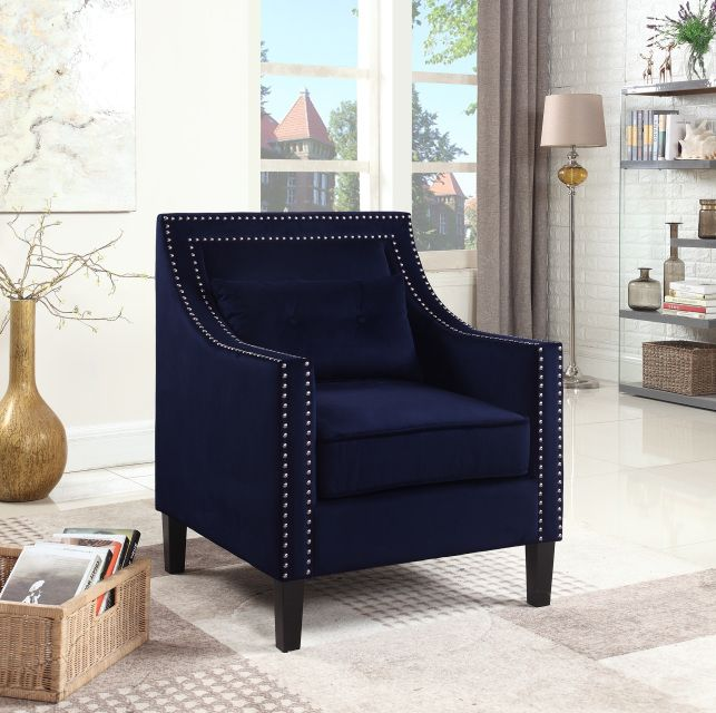 Add Glamour Color And A Touch Of Royalty To Your Living Room Or Bedroom This Chair Is Upholstered In A Plus Best Master Furniture Furniture Accent Arm Chairs #plush #living #room #chairs