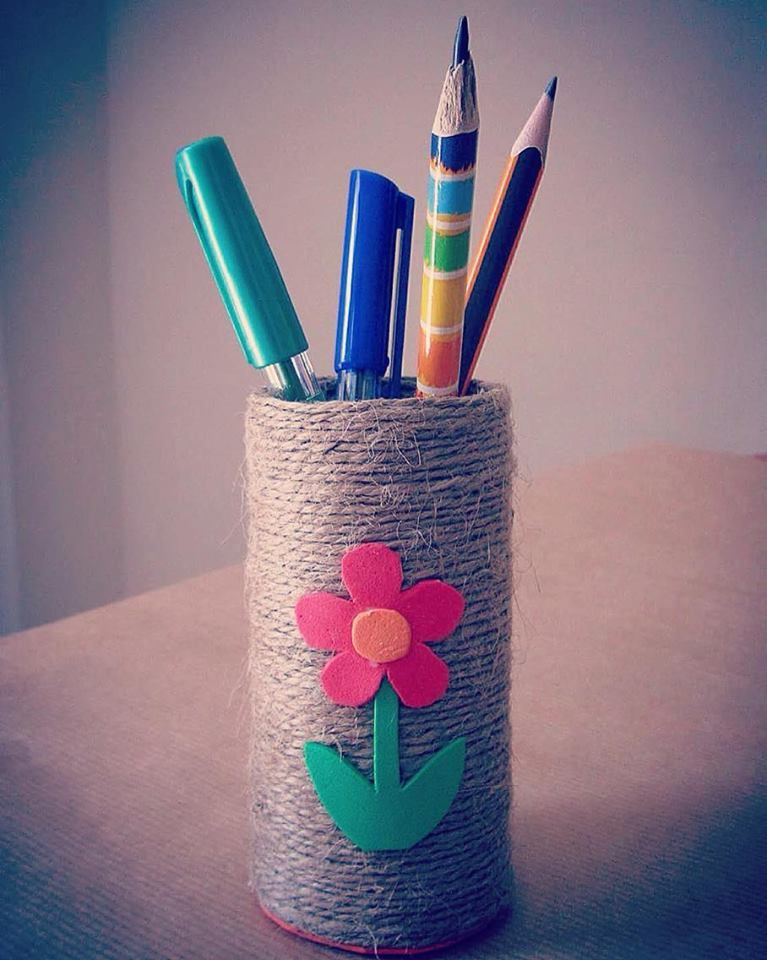 Back to school: DIY: pencil holder of recyclable materials (cardboard from a…
